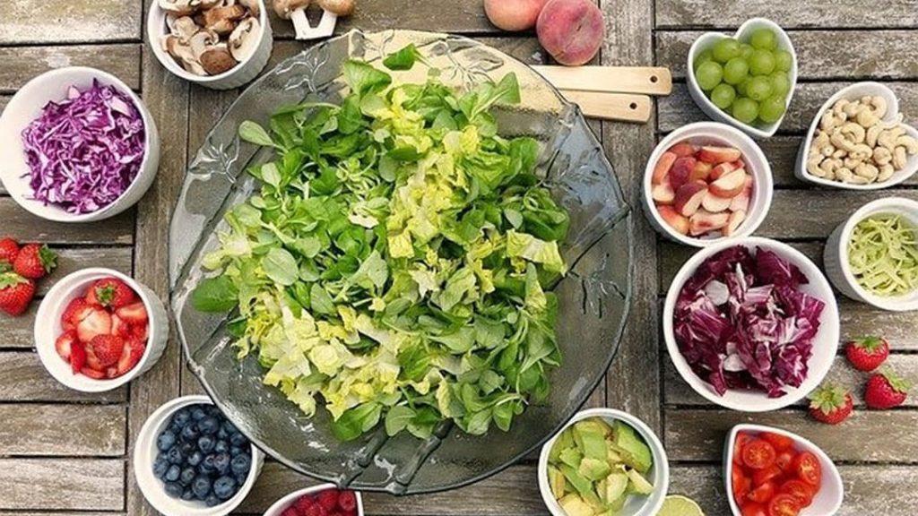 Salad & Fruit Mix
